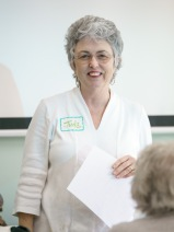 Jude Wiesenfeld, BAGSC Education Chair, presenting information about upcoming workshops at the BAGSC Quarterly Meeting at Madrona Marsh Nature Center. © 2018, Lance Hill. Editorial or promotional use permitted for electronic or printed media by the Botanical Artists Guild of Southern California and the Friends of Madrona Marsh. Please provide photo credit to Lance Hill.